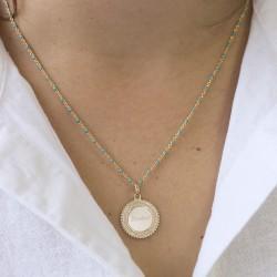Collier médaille perlée chaine émaillée turquoise - Plaqué or