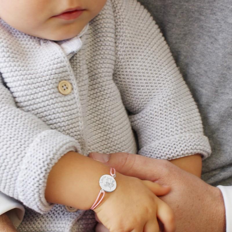 bracelet-medaille-fleur-personnalise-prenom