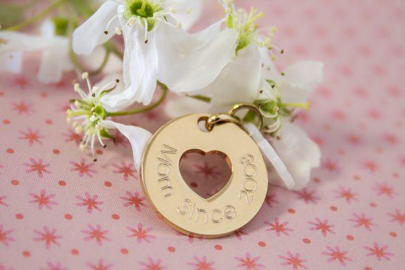 bijoux fete des meres gravures maman