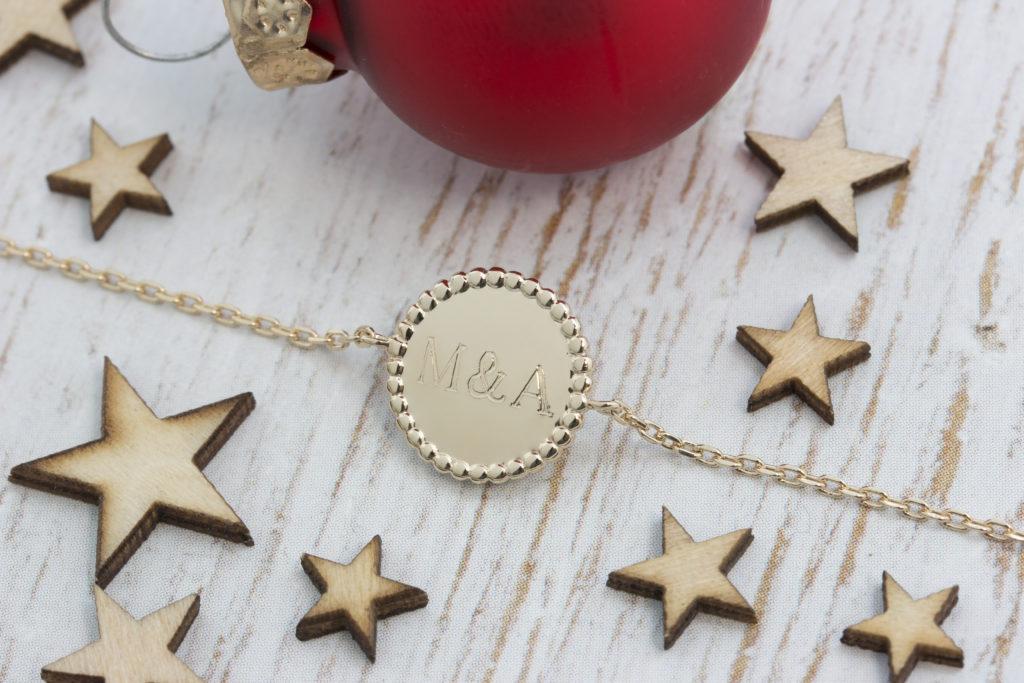 graver un bijou avec des initiales