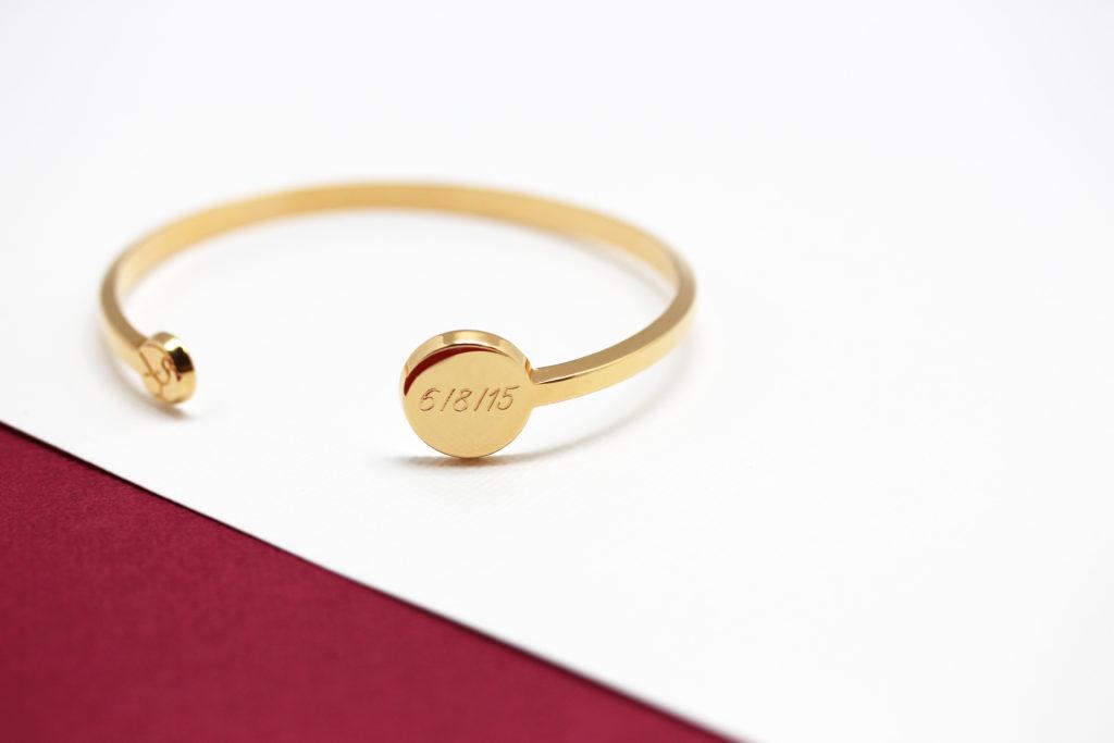personnaliser un bijou avec une date