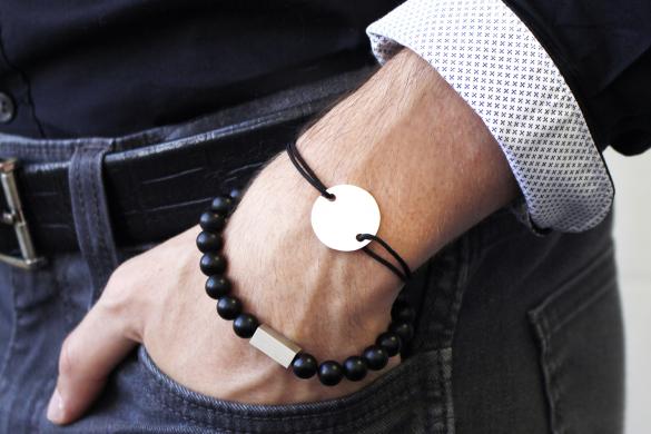 bracelets-noirs-cordons-hommes-personnalises