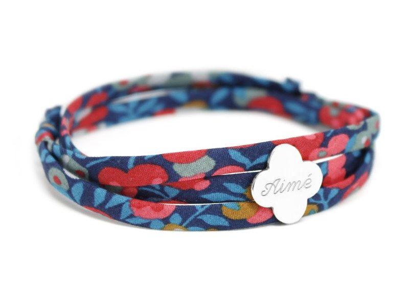 bracelet liberty prenom avec medaille trefle